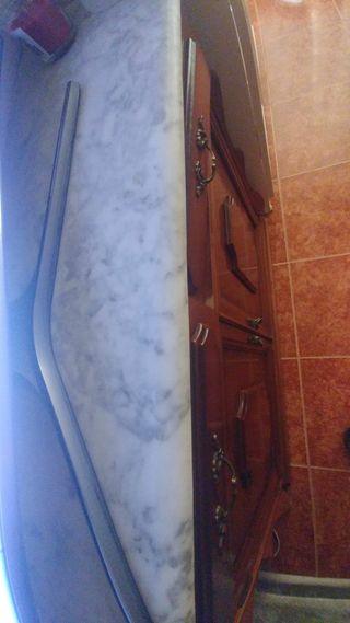 0€ Mesa de madera y mármol