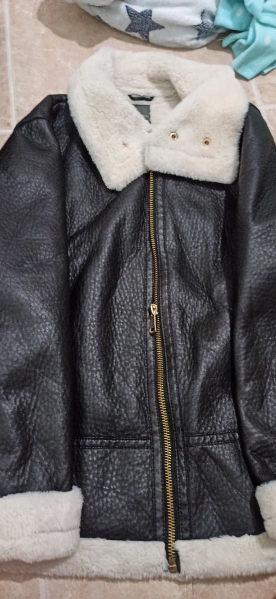 chaqueta de cuero con borreguillo