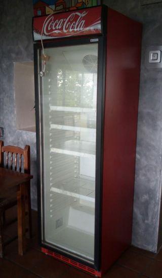 Nevera Coca Cola Coreco puerta de cristal
