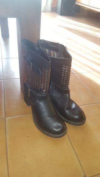 Botas de Piel Negras con Lentejuelas N 38
