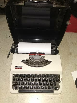 Maquina de Escribir Brother 210