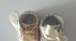Zapatos bebé a estrenar número 16