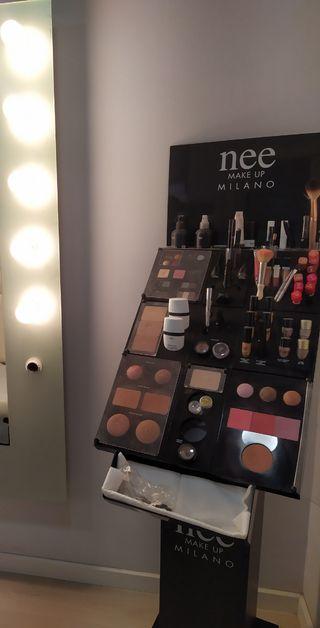 expositor de maquillaje nee milano makeup