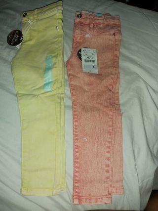 pantalon niña Precio por los 2 con etiqueta.