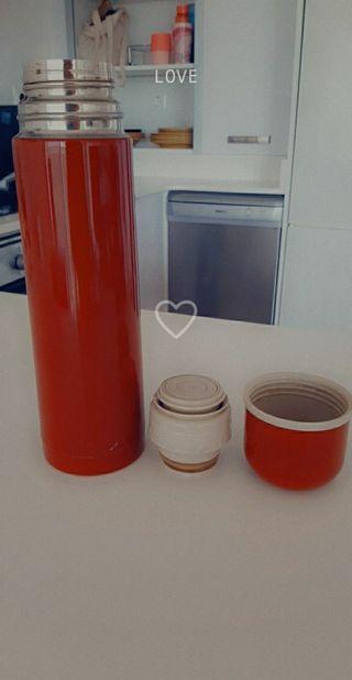 térmico de cafe de ikea rojo
