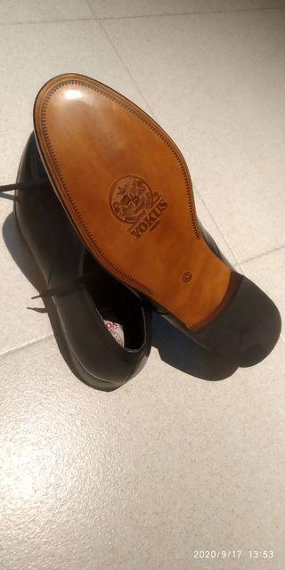 Zapatos de piel de vestir negros - Talla 43