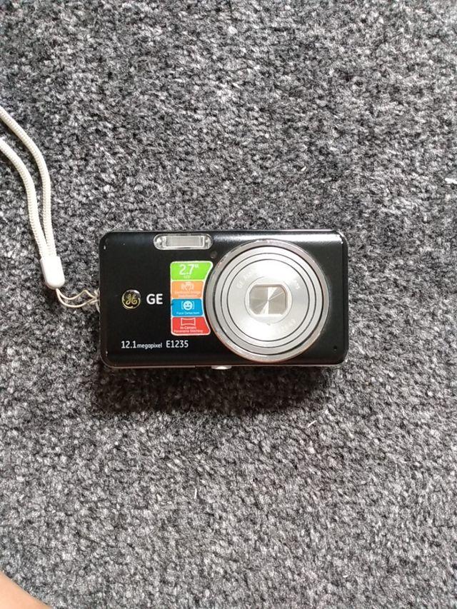 Camara digital GE 12'1 megapixel