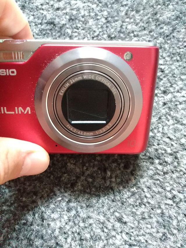 Cámara digital Casio Exilim 12'1 megapixel
