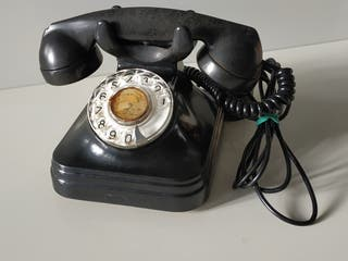 Teléfono sobremesa antiguo