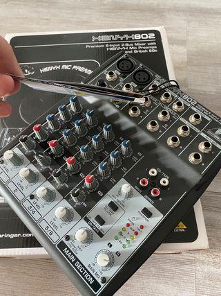 Mesa mezclas behringer xenyx 802