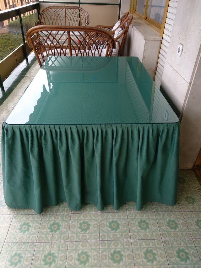Mesa camilla con cristal y faldón