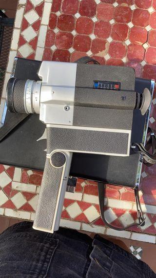 Cámara de Video antigua (Sankyo Súper CM 400)