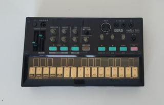 KORG volca fm (digital fm synthesizer)