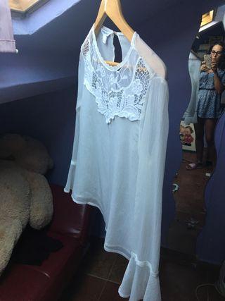 Blusa blanca trasparente