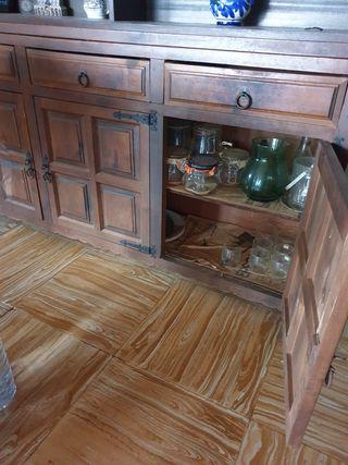 Mueble antiguo para comedor