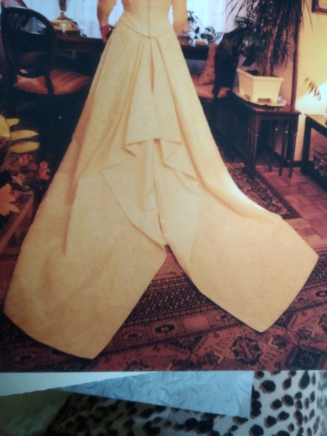falda de traje de novia