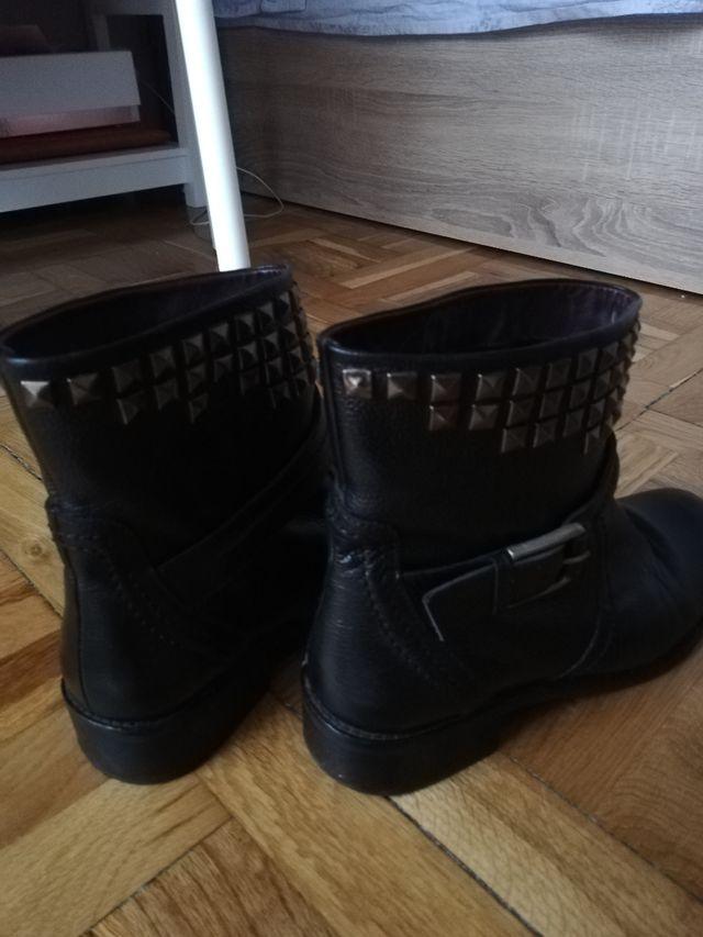 Botines negros Piel Tachas