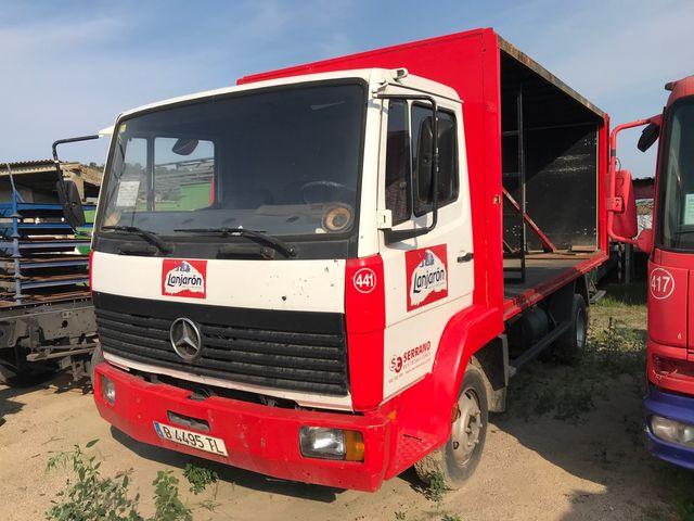 Mercedes-Benz lote 815 2002 lote de camiones