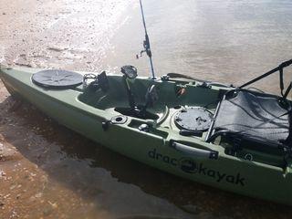 Se vende kayak de pesca y paseo