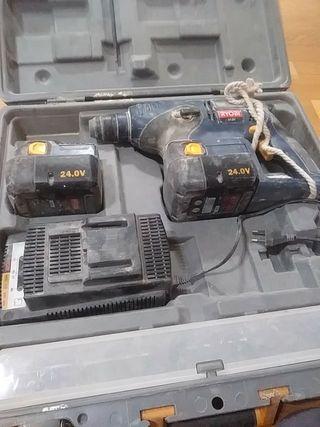 taladro bateria RYOBI