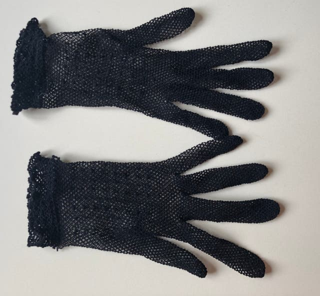 Gants vintage 70's crochet noir en maille nylon