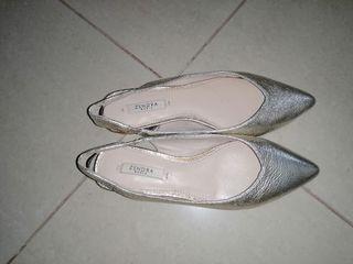 sandalias de piel doradas