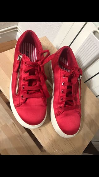 Zapatillas stradivarius rojas