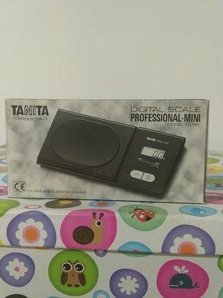 Bascula digital profesional Tanita.