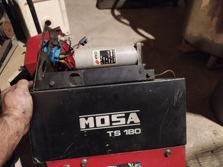 Generador de corriente y motosoldadora Mosa
