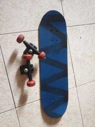 vendo monopatín (skate) ninos/jovenes