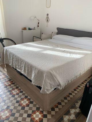 Cama canapé 1.80x1.35 cm nueva (usada 3 meses)