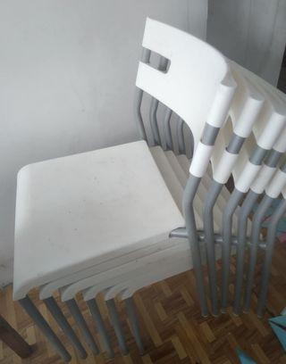silla salón apilables. solo quedan dos