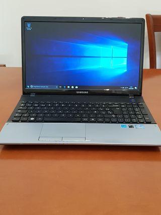 PORTÁTIL SAMSUNG 300E i3 4GB RAM 320GB HDD R2134