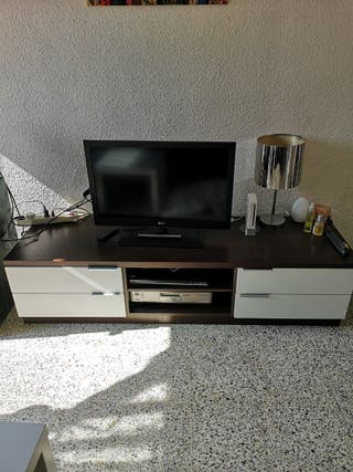 Muebles de comedor, mesa tv y estanterias
