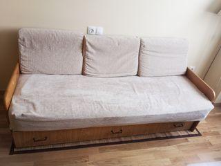 Sofá cama con ambos colchones