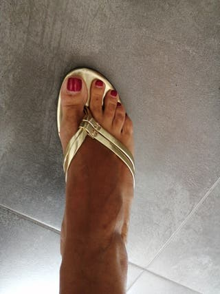 Zapato dorado talla 38