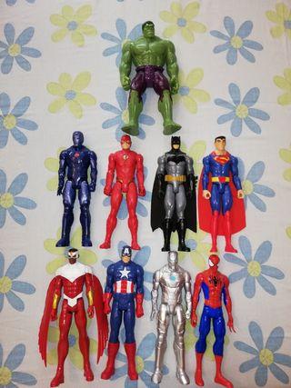 Muñecos marvel y DC.