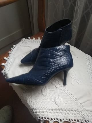 Botines azul Zara