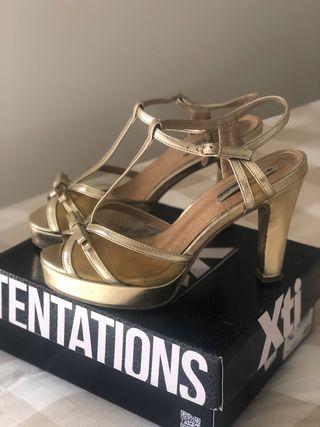 Sandalias doradas plataforma Xti talla 40