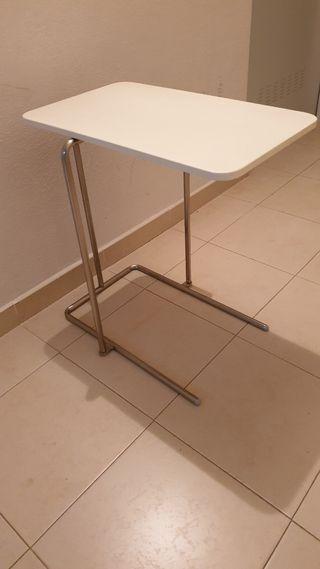mesita auxiliar Rian de Ikea