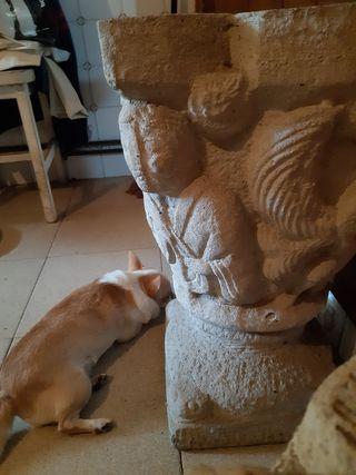antiquísima, maceta de piedra y granito , con pea