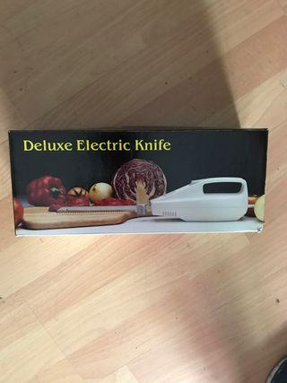 Cuchillo eléctrico nuevo