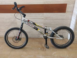 bicicleta de trial MONTY MAGURA