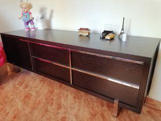 Mueble wengue de 1,70 ancho 0,58 fondo 0,52 alto