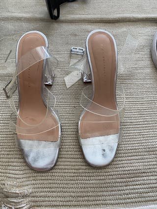 Sandalia plateada y transparente Zara