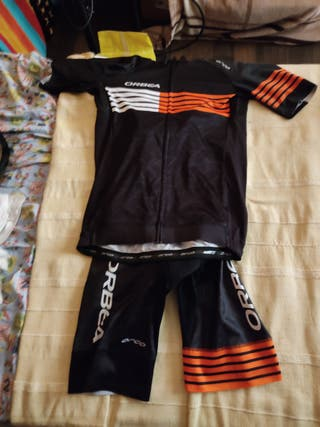 conjunto maillot y culote ciclismo