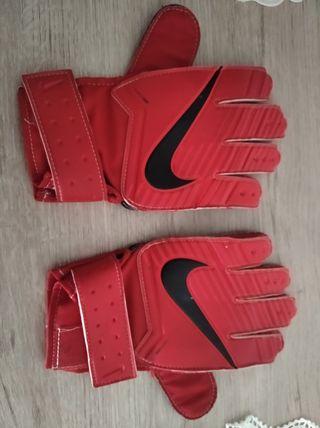 Guantes fútbol Nike