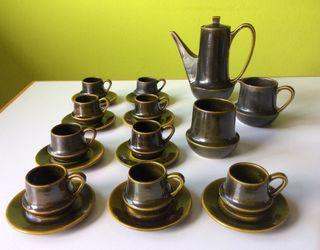 Juego café cerámica, 9 servicios. Antiguo.