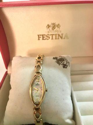 reloj clasico mujer
