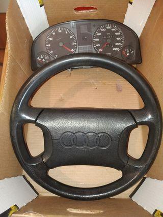 Audi 80 volante con airbag y marcador